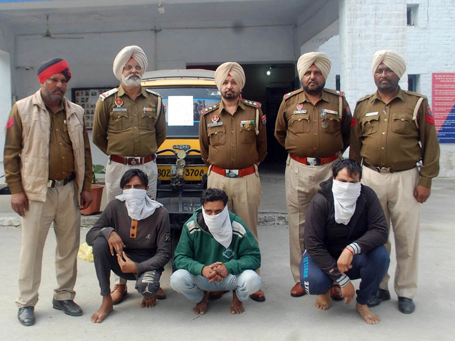 Snatching case cracked, 3 held