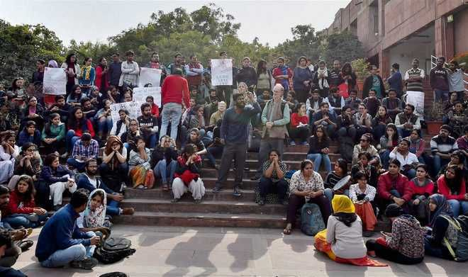 JNU students boycott end-semester exam