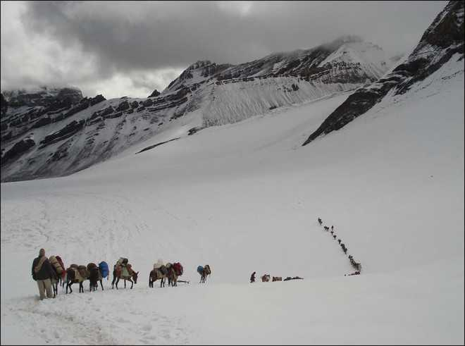 'Soldiers deprived of snow glasses, boots, requisite food in Siachen and Ladakh'