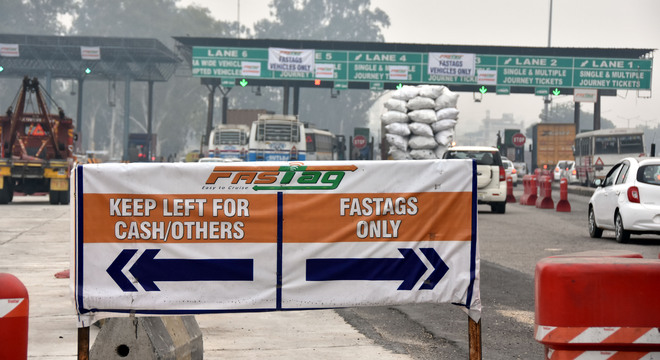 10K vehicles cross Ladhowal toll barrier with FASTag