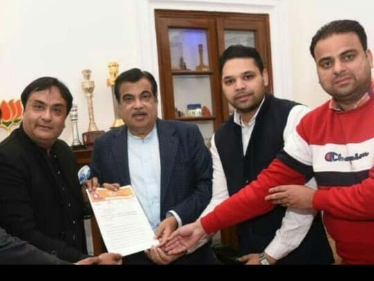 Gadkari for early completion of NH-44 six-laning