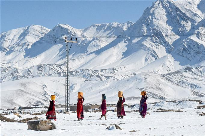 Avalanches, snow-related incidents claim 93 lives in Pakistan