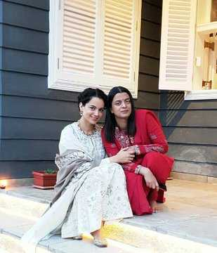 Rangoli thanks sister Kangana Ranaut for standing by her after acid attack