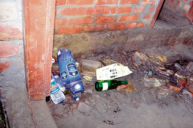 Incomplete structure turns safe haven for drug addicts