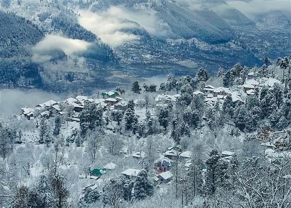 Cold, dry weather in Himachal; Manali, Kufri shiver at sub-zero temperature