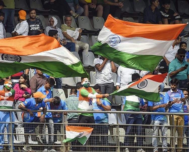 'Black clothes banned' at Wankhede; shame, says Twitter