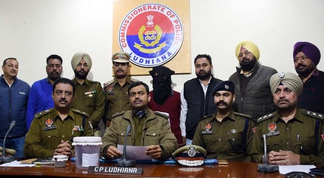 Gangster facing 10 criminal cases lands in police net