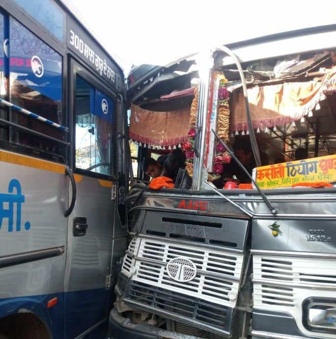 16 hurt in Solan bus collision