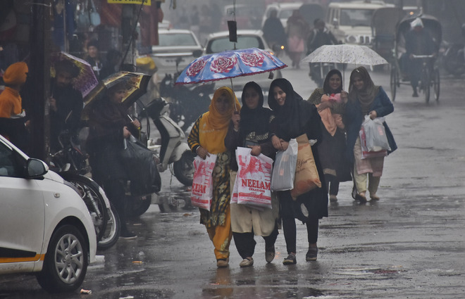 Record rain on Lohri fest, youngsters disappointed
