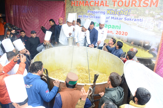 1,995-kg 'khichdi', it's Guinness Record!