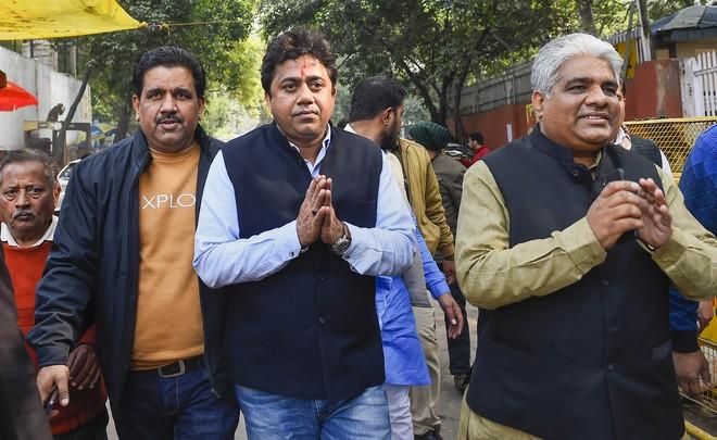BJP picks Yuva Morcha chief against Kejriwal