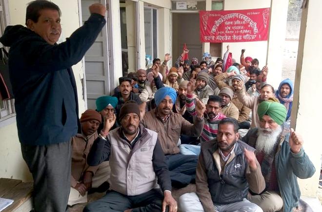PWD field workers seek salaries, regular jobs