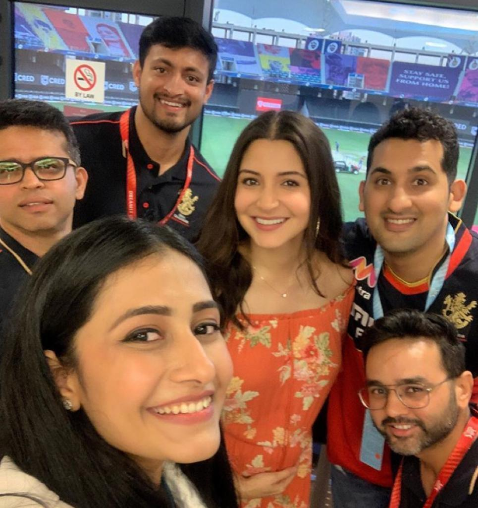 Anushka Sharma cradles baby bump as Yuzvendra Chahal's fiancee Dhanashree takes group selfie at RCB match; see pictures