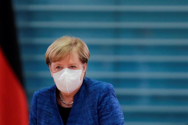 Merkel, German state leaders to decide on new COVID measures