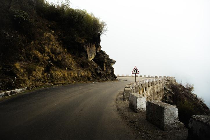 16 people killed after landslide hits passenger bus in Gilgit-Baltistan