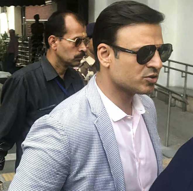 Vivek Oberoi'sresidence raided as cops search brother-in-lawAditya Alva in drugs case