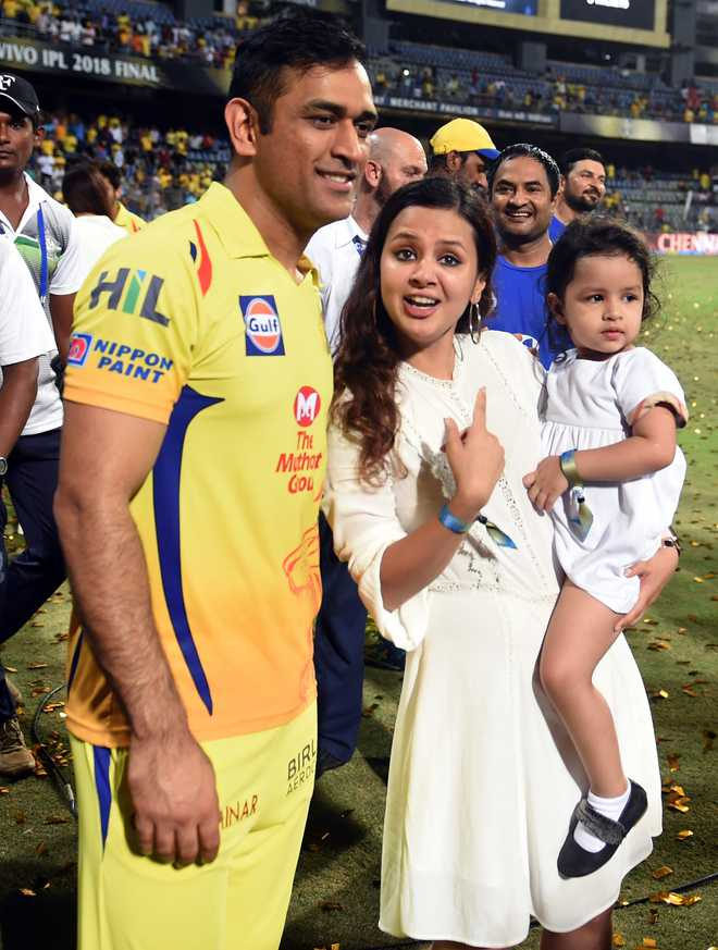 Wife Sakshi pens heartfelt poem as Dhoni's CSK is knocked out of IPL