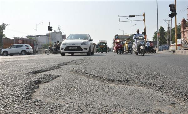 GT Road, service lane are paths that open to horrible experience for commuters