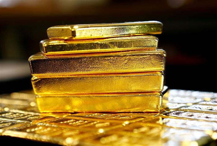 Gold imports dip 57% in H1 FY21 to USD 6.8 billion