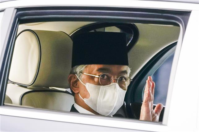 Malaysian PM acknowledges king's rebuff of virus emergency