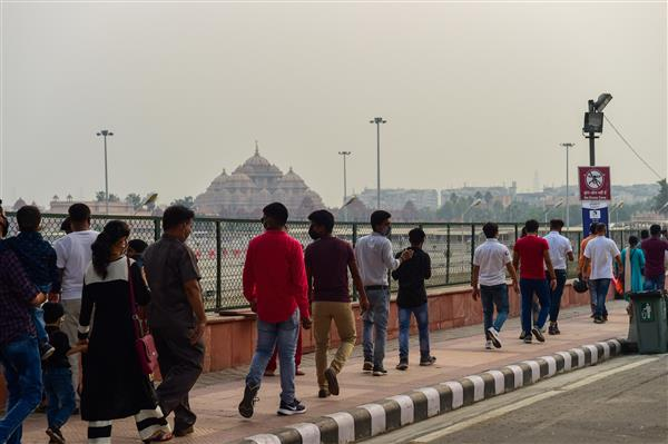 Slight improvement in Delhi's air quality as wind helps in dispersion of pollutants