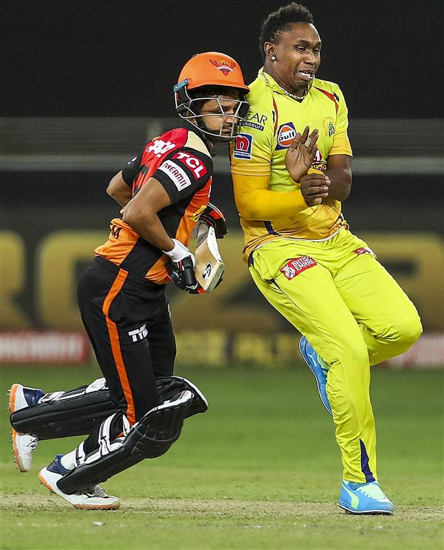 Bravo was not fit to bowl final over: Dhoni