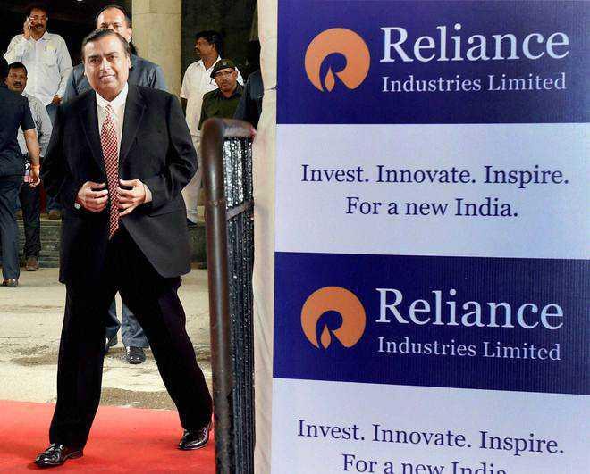 FIIs hike stake  in Reliance to record 27.2%