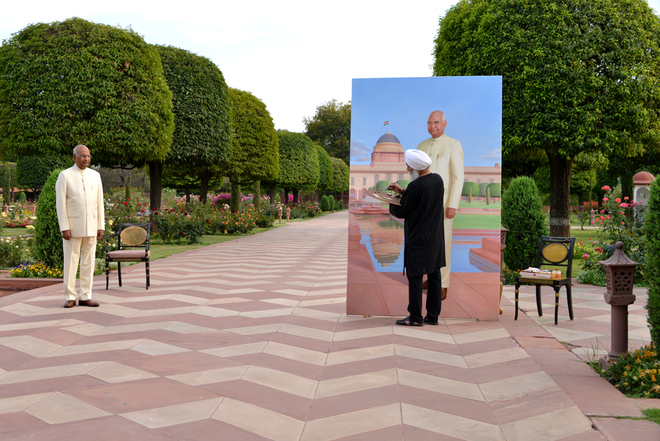 RM Singh paints the Presidents