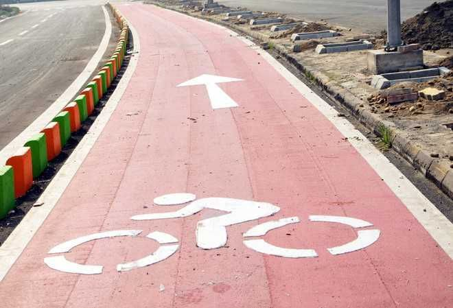 Decks cleared for 52-km cycle track