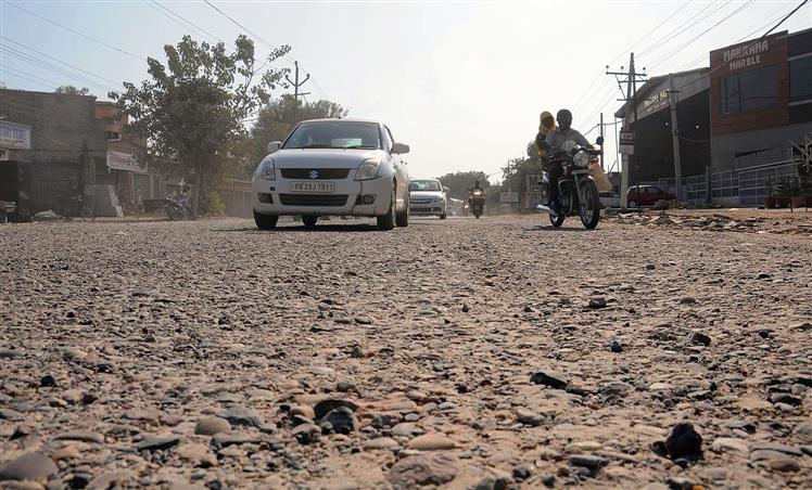 Caution before! Nakodar Road preceding the 4-laned highway poses threat