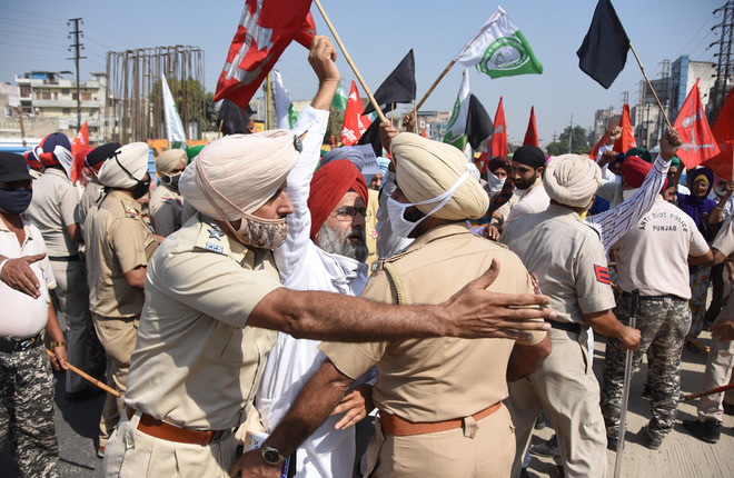 Farmers, traders  protest against Punjab BJP chief Ashwani Sharma