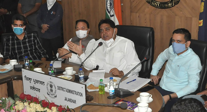 Tired of holding meetings offering no solution: Traders to minister