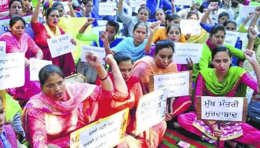Agriculture laws will render youth jobless: Teachers