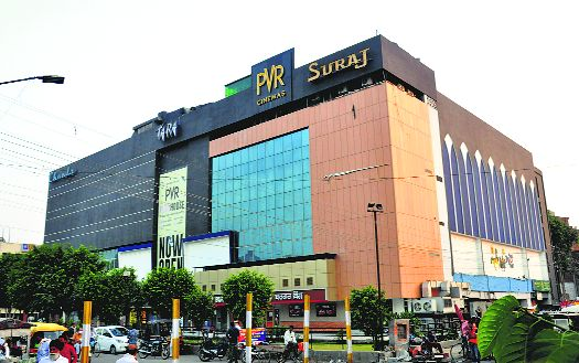 Despite govt guidelines, single screen owners, multiplexes unsure of opening