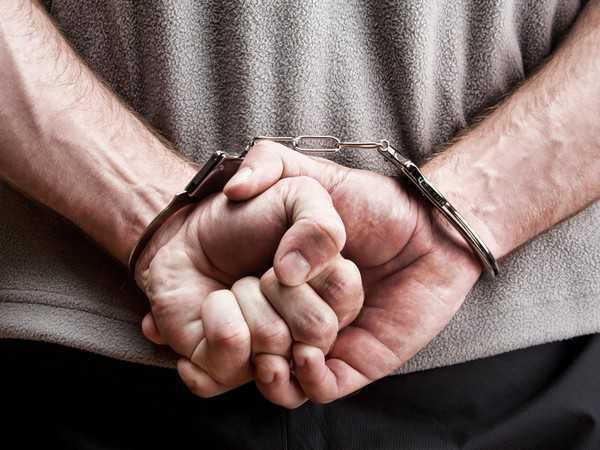 3 foreigners arrested for stealing cash