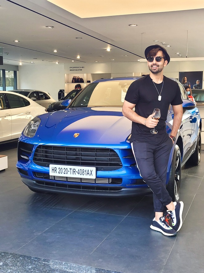 Himansh Kohli gifts himself a new car!