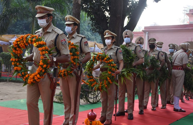 Tributes paid to police bravehearts
