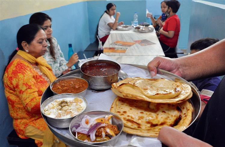 Best places for street food in Amritsar