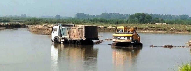 No check on mechanised mining on Beas riverbed