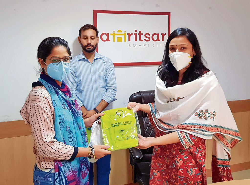 Smart City CEO honours plastic recycling champions
