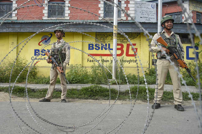 Two civilians injured as militants lob grenade at security personnel in J-K's Pulwama