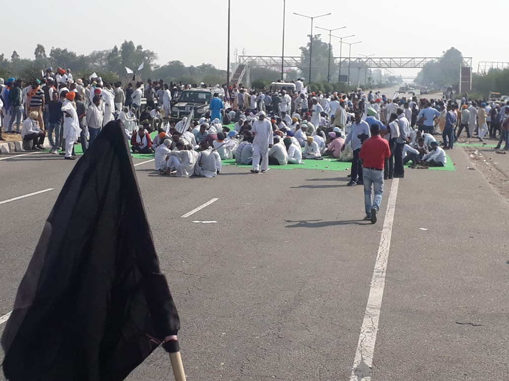 Farmers in Punjab and Haryana protest against farm laws; block roads : The  Tribune India