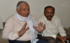 Protesting farmers gherao BJP leader Madan Mohan Mittal in Bathinda