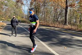 Blind man, 'born to run', completes solo 5-km run with trial app to guide him