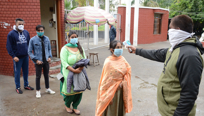 Pandemic scare dithers parents from sending wards to college