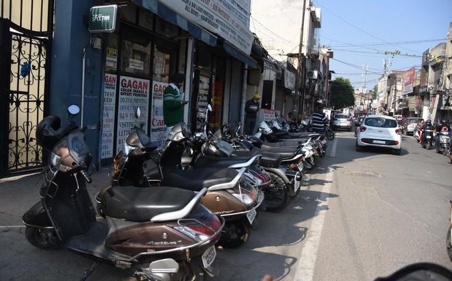Parking woes still unaddressed in Ludhiana