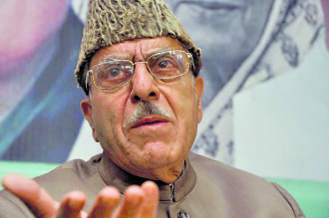 Amit Shah's 'gang' remark shows India in poor light, says Saifuddin Soz
