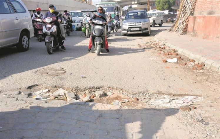 Play it smart, prioritise Amrisar's bad stretches, say residents