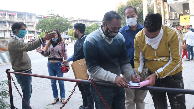 Don't allow customers sans mask, Chandigarh traders told
