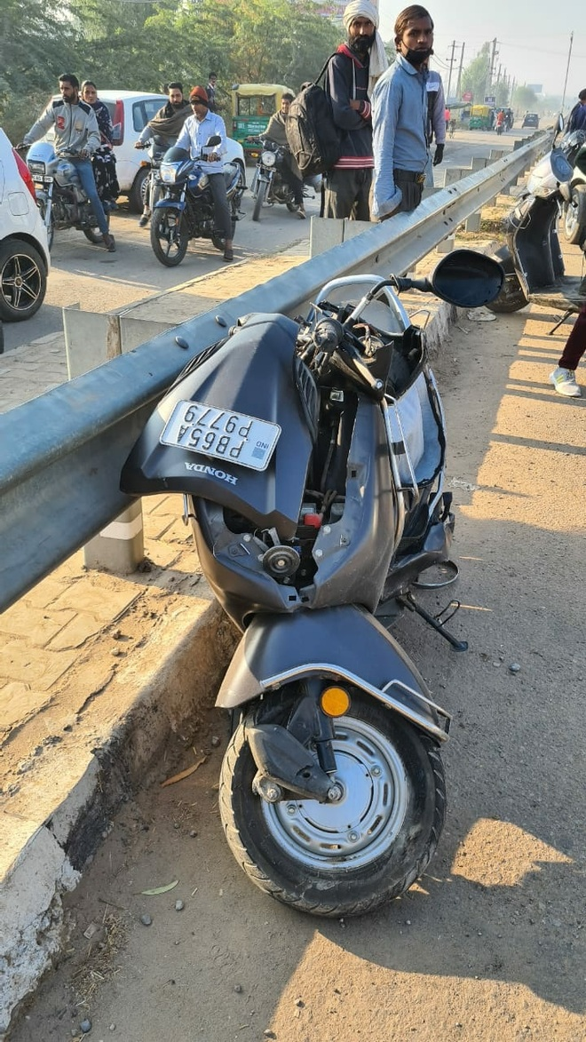 Scooterist hit by bus, dies in Zirakpur